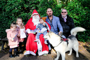 Read more about the article CHILDREN INVITED TO RAISE THEIR LANTERNS AT THE ANNUAL CHRISTMAS LIGHTS SWITCH-ON