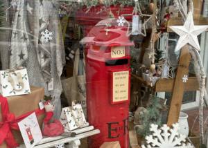 Read more about the article Reasons to visit Urmston – local business showcase #1 Rose & Bumble